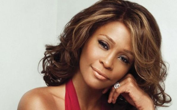Whitney Houston, debito mortale causa di morte della celebre popstar