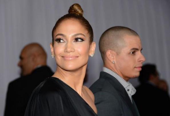 Jennifer Lopez, perché il toy boy frequenta la vecchia gallina...