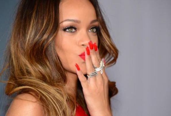 Rihanna, desiderio di concepire un figlio con Chris Brown