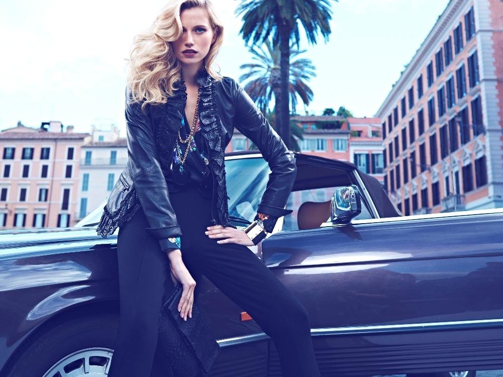 Luisa Spagnoli sceglie Roma come set per la campagna pubblicitaria autunno  inverno ... 4b35727a221