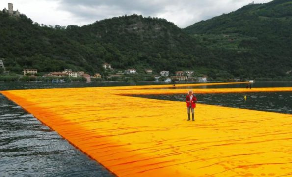 The-Floating-Piers-Christo-Lago-dIseo-10-691x420